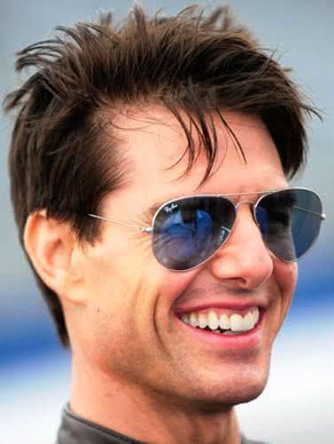 Óculos de sol masculino.