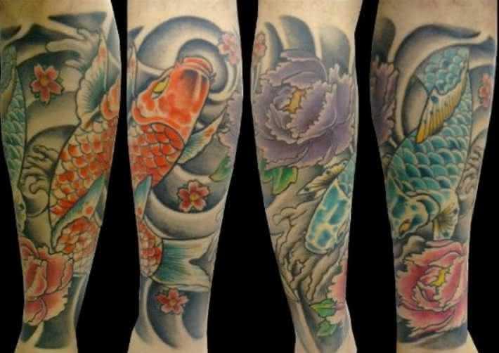 Tatuagem-masculina-na-perna-com-carpas.