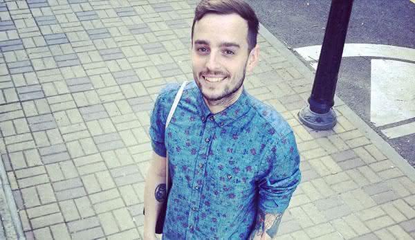 camisa-estampada-floral-masculina