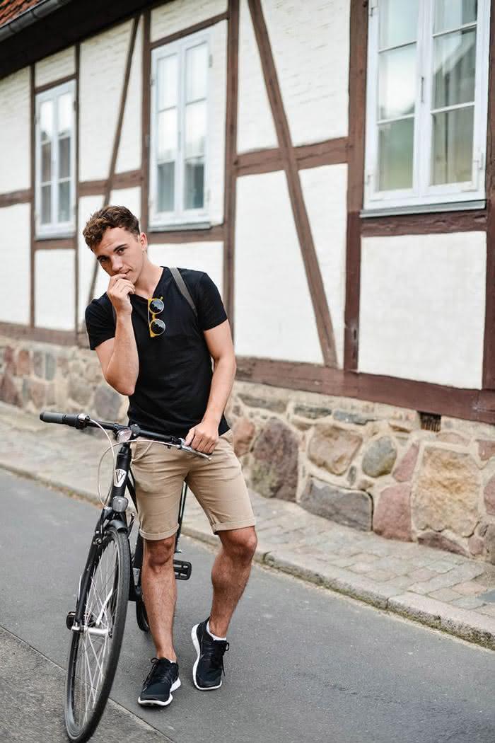 short-masculino-basico-camiseta-preta