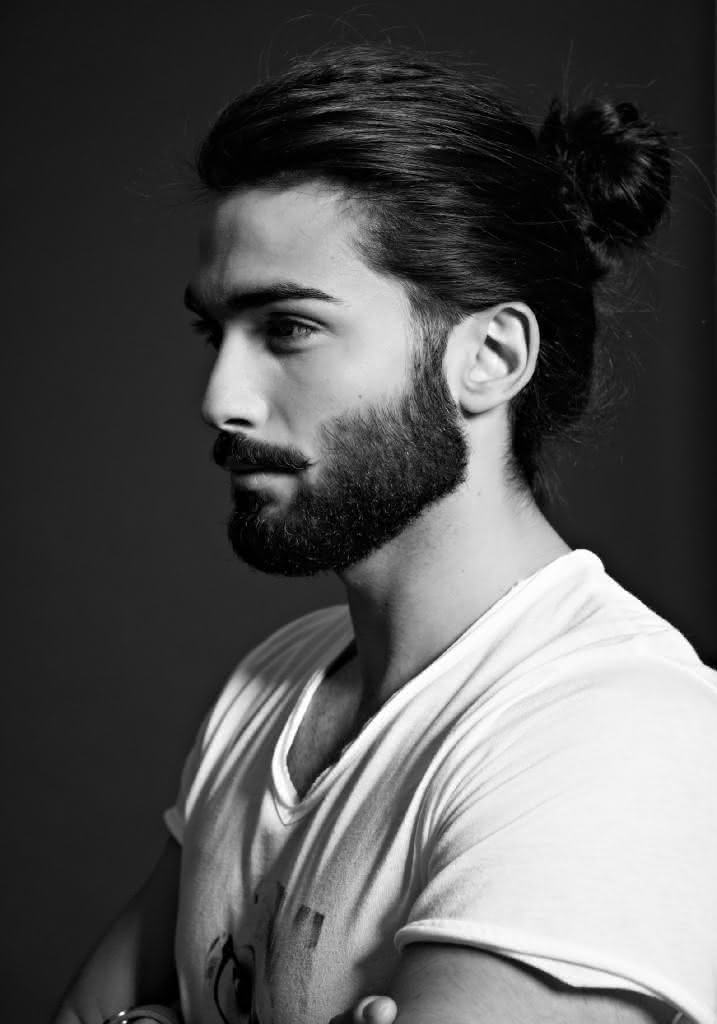mens-hairstyles-top-knots-2015-3-717x1024